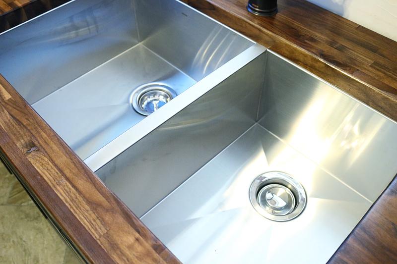 Moen garbage disposal, faucet, sink - Bower Power