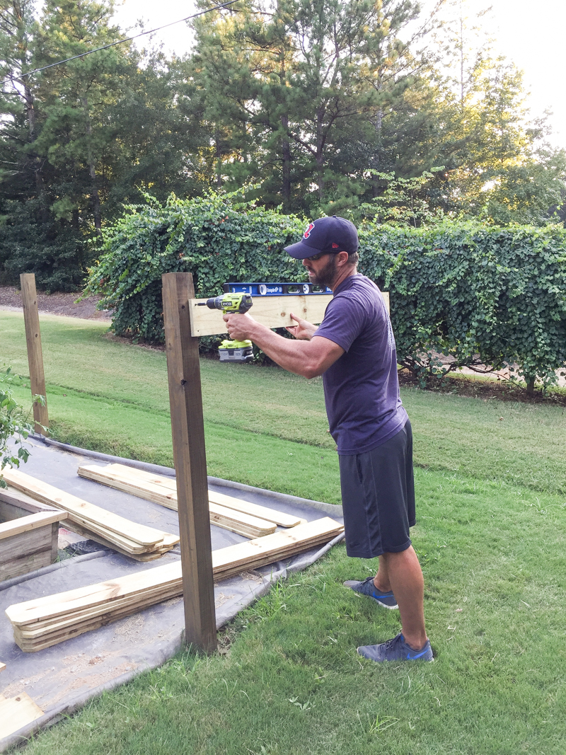 how to build horizontal modern wood fence - Bower Power-4