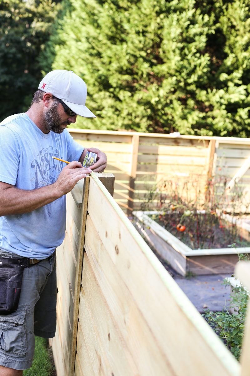 how to build horizontal modern wood fence - Bower Power-8