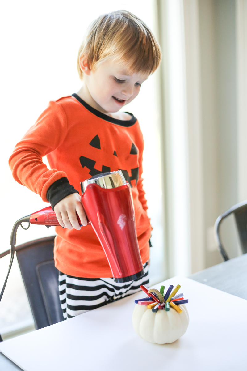 Toddler Crayon Pumpkin Craft - Bower Power-4